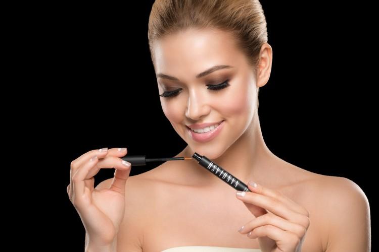 Three ways of beautifying eyes: false eyelashes, semi permanent treatment and eyelash conditioners. Choose the best one suitable for you. Nanolash test results