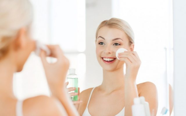 Cosmetics vs Plastic Surgery. Which One is Better for Your Skin?