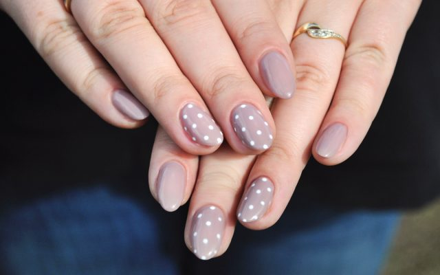 Why Does Hybrid Manicure Tend Spoil so Fast?