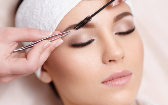 How to shape your eyebrows? Tips, methods and care