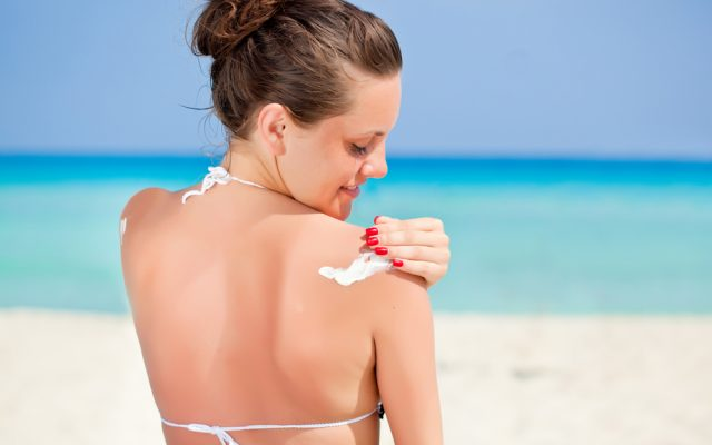 Learn the rules of sunbathing. How to spend holiday safely