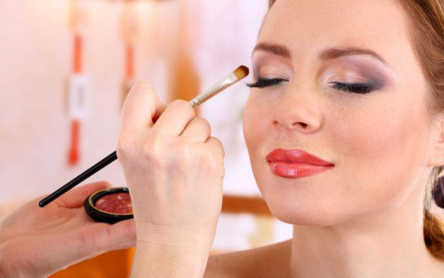 Makeup Ideas for This Holiday Season's Parties and Family Gatherings